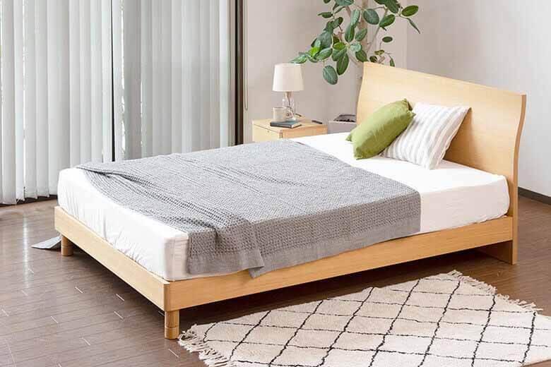 シンプルなデザインでタモ材の木目がお部屋を明るくする木製ベッド カルディナ(ナチュラル)