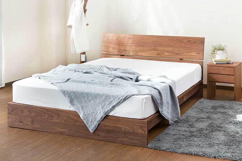 国産無垢材の美しい木目をシンプルデザインで表現した安心の日本製ベッド セミダブルサイズ コルツ(ウォールナット)